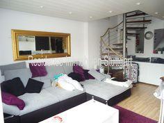 Stuttgart Möhringen: Die 2-Zimmer-DG-Wohnung verfügt über eine schöne Dachloggia, großen Wohnbereich und eine offene Küche. Stuttgart, Wohnung kaufen.