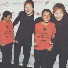 So cute! :) Ed Sheeran ♥<< OMG her face!!! This is so cute!