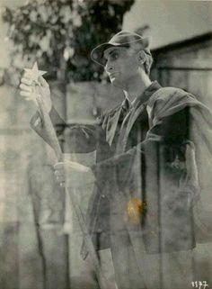 """Antonin Artaud as the """"grinder-gardian angel"""" in the movie """"Liliom"""" of Fritz Lang (1934)"""