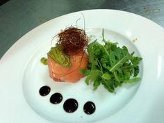 Cupolino di salmone con bufala, robiola e fili di peperoncino , ricetta inserita da Giuseppe Balsano
