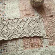 タスマニアンメリノで編み直し。 #手編み #タスマニアンメリノ #ギャッベ  #毛糸だま  #knitting #rumitaニット