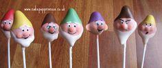 Snow White & the Seven Dwarfs Cake Pops Snow White Cake, White Cake Pops, Cupcakes, Cupcake Cookies, Cookies Kids, Disney Cake Pops, Disney Cakes, Princess Cake Pops, Snow White Wedding