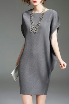 cc gray batwing sleeve mini shift dress here, find your mini dresses at dezzal, huge selection and best quality. Simple Dresses, Beautiful Dresses, Casual Dresses, Fashion Dresses, Short Sleeve Dresses, Fashion Clothes, Grey Fashion, Womens Fashion, Independent Clothing