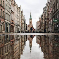Mountains and mirror in the middle of the city! 😍 ❤ Photo by Congrats! 👏 Tag your photos of Gdansk and for a chance to be featured. My World, Poland, Your Photos, Photo And Video, Mountains, Places, Nature, City Photo, Middle
