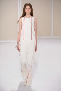 Racerback tank top with H pleats in off-white silk poplin with jasper red stripes, wide pleated trousers in off-white panama silk with jasper red stripes