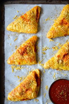Cheesy Chicken Pizza Pockets Recipe on justataste.com