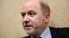 Image copyright                  AFP/Getty Images                  Image caption                     Denis Baupin denies the allegations against him   The deputy speaker of parliament in France has quit after allegations of sexual harassment were made against him by colleagues. Denis Baupin groped one female Green Party member and sent explicit messages to others, the women said in interviews in French media. His lawyer told Agence France-Presse Mr Baupin h