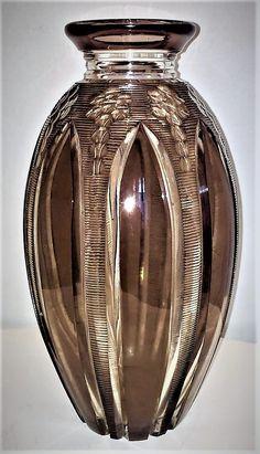 Val Saint-Lambert vase catalogué sous le nom 'Aventin' HF1112 - Hubert Fouarge - Catalogue Cristaux de Fantaisie 1926. H 30 cm.