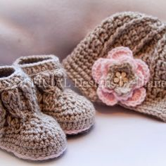 Hats official Cable knit boots, newsboy hat, newborn, baby girl, pink, beige, flower crochet