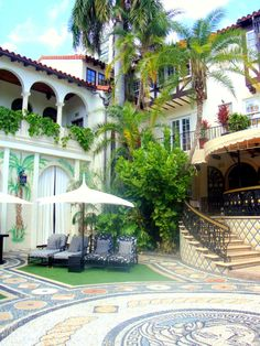 Versace Mansion--Miamis most visited Spots and Second Most Photographed House in America! | | ILOVESBD | South Beach Diamond Magazine | ILOVESBD | South Beach Diamond Magazine