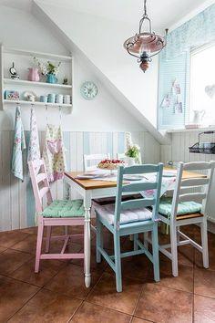 Casinha colorida: Home Tour: um apartamento fofo em estilo Cottage Chic