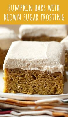 Pumpkin Bars with Brown Sugar Frosting are the perfect fall crowd pleasing treat. - desserts Pumpkin Bars with Brown Sugar Frosting are the perfect fall crowd pleasing treat Cupcakes, Cupcake Cakes, 13 Desserts, Delicious Desserts, Fall Dessert Recipes, Fall Cookie Recipes, Thanksgiving Desserts Easy, Thanksgiving Square, Easy Dessert Bars