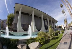 Midcentury architecture Palm Springs