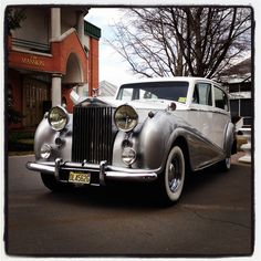 Beautiful 1954 Silver Wraith Rolls Royce from Albert Transportation at the entrance to the Mansion on Main Street bridal show... #RollsRoyce #Limousines #BridalShows #NJ