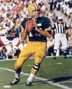 Packers Defeat Chiefs in Super Bowl Baseball Classic, Vintage Football, Packers Football, Football Players, Football Helmets, Nfl Green Bay, Green Bay Packers, Bart Starr, Football Conference