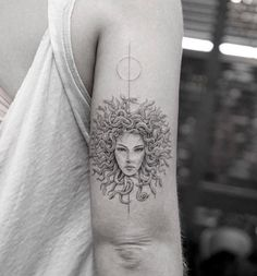 There are various meanings of Medusa Tattoo designs like Medusa as a dark lady with an evil thought, Medusa as a protector or Medusa as a regenerate. tattoos 9 Beautiful and Scary Medusa Tattoo Designs Medusa Tattoo Design, Tattoo Designs, Head Tattoos, Body Art Tattoos, Tatoos, Scary Tattoos, Bull Tattoos, Piercing Tattoo, Piercings