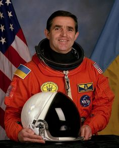 29th human in space//  Leonid Kadeniuk Born  : 28 January 1951 Living Outer space : 31 July 1992 Time in space  : 15d-16h-34m Nationality : Ukranian
