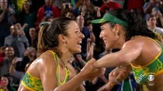 Via cleytu: Agatha Bednarczuk and Barbara Seixas de Freitas of Brazil defeated the Defending Champion duo Kerri Walsh & April Ross of Team USA. Brazil advances to the women's Beach Volleyball GOLD Medal Final v Germany. Kerri & April going for Bronze v the other Brazilian team. for Bronze.