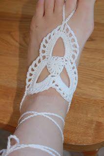 The Hookeraholic Crochet: Tri-Loop Barefoot Sandals