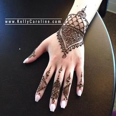 henna on the hand - geometric henna tattoo designs 2019