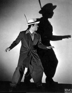 Few comics have made me laugh more than this incomparable funny-man, I have cried real tears of joy watching this clown. The zoot suit was is trademark.