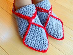 Grey Slippers with Red Trim Grey Slippers, Baby Shoes, Red, Clothes, Fashion, Tricot, Shoes, Grey Flip Flops, Outfits