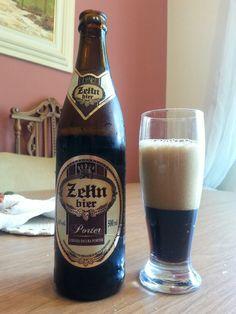 Ao abrir a garrafa, vem um forte aroma tostado. A espuma é densa e consistente, um sutil sabor de chocolate e um amargor leve e agradável. Outra Zehn aprovada.