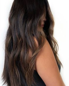 Who else is loving these subtle brunettes? Balayage Hair Brunette With Blonde, Brown Hair Balayage, Light Hair, Dark Hair, Low Lights Hair, Hair Color Streaks, Hair Highlights, Curly Hair Tips, Hair Dos