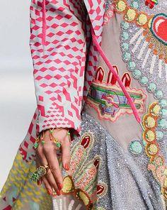 Manish Arora (detail-lipstick beading)