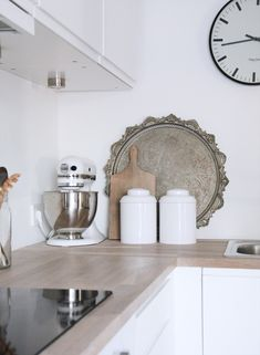 photo and home by elisabeth heier. love the neutrals and textures.