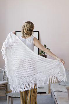 Ravelry: Merino Shawl pattern by Lea Petäjä Knitted Shawls, Crochet Scarves, Knit Crochet, Triangle Scarf, Lace Scarf, Lace Knitting, Shawls And Wraps, Neck Warmer, Womens Scarves