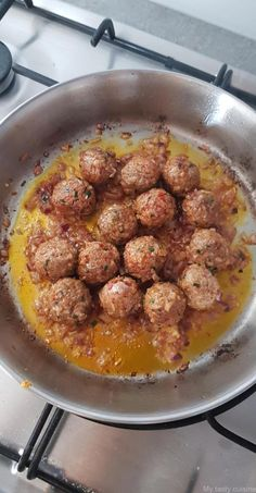 Tagine of minced meat, peas and potatoes - My tasty cuisine Shrimp Fritters, Mince Dishes, Tasty Meatballs, Arabian Food, Pork Mince, Best Meat, Ground Beef, Food And Drink, Lava
