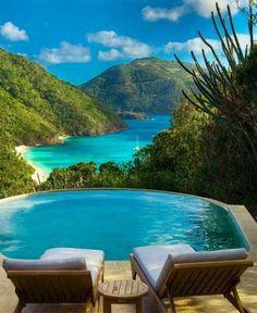 #jemevade #ledeclicanticlope / Guana Island, Caraïbes. Via holidayspots4u.com