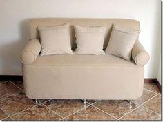 Sofá de pet revestido e com acabamento de tecido