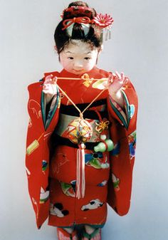 Mieko Minazumi - this artist specializes in making cute dolls of pudgy Japanese children, who look like children instead of porcelain figures.