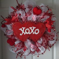 Use inexpensive grapevine wreath and pipe cleaners to make a home-made wreath form for making the popular deco mesh wreaths or ribbon wreaths. Description from pinterest.com. I searched for this on bing.com/images