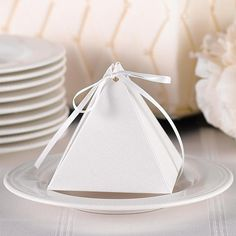 Favor Boxes / Pyramid Favor Box White Shimmer with Ribbon /