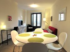 A 2 bedroom apartment in the building of Plaça l´Oli, Qlodging holiday rentals!