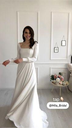 Simple Classy Wedding Dress, Simple Wedding Dress With Sleeves, Minimal Wedding Dress, Plain Wedding Dress, Crepe Wedding Dress, Minimalist Wedding Dresses, Modest Wedding Dresses, Wedding Dress Styles, Winter Wedding Dresses