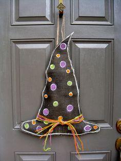 Witches Hat Halloween Burlap Door Hanger by swirleeburlee on Etsy, Burlap Halloween, Holidays Halloween, Halloween Crafts, Halloween Decorations, Halloween Witches, Halloween Halloween, Burlap Projects, Burlap Crafts, Craft Projects