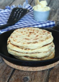 4-minutersbröd i stekpanna Bagan, A Food, Food And Drink, Plant Based Recipes, Bread Baking, Baked Goods, Meal Prep, Food Styling, Brunch