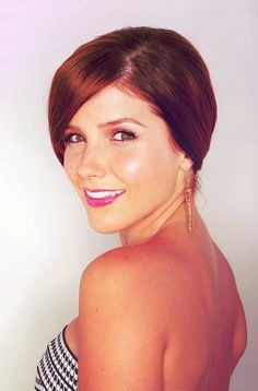 sophia bush- seriously. homeboy was a dumb head for cheating on her. in real life AND on OTH.