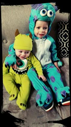 Sibling costume ideas  sc 1 st  Pinterest & Halloween Costumes for Brothers | Pinterest | Halloween costumes ...