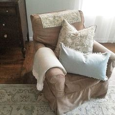 http://lastdayprod.com/blog/living-room-decorating-furniture-options.html Check more at http://lastdayprod.com/blog/living-room-decorating-furniture-options.html