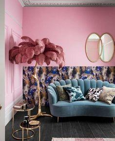 Retro Home Decor, Home Decor Styles, Vintage Salon Decor, Funky Decor, Teal Velvet Sofa, Teal Sofa, Velvet Room, Velvet Chairs, Murs Roses