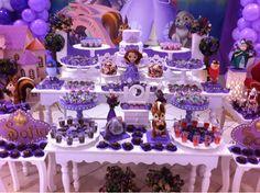http://www.minhaprincesasophia.com.br/2013/11/50-ideias-para-decoracao-festa.html