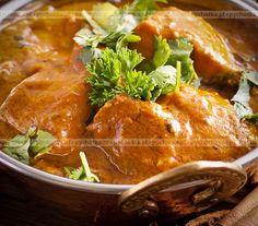 Poznaj sekret przepysznych przepisów na drób tylko na pychotka.pl. Kurczak w sosie curry. Potrzebujesz:kurczaka, śmietany, przypraw.