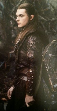 madammadhatter:  Why hello there. You gorgeous leafmaille!From The Hobbit: The Desolation of Smaug Chronicles – Cloaks and Daggers