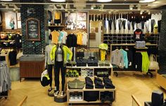 LULULEMON: Global fashion fitness brand lands in Covent Garden. #retail #london