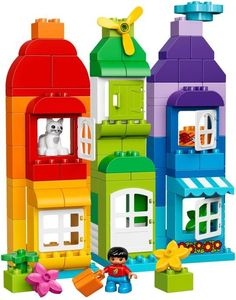 Great deals on Lego Duplo trains, helicopters, fire stations and much more at Smyths Toys. Get your kids building Lego with Duplo! Lego Duplo Sets, Train Lego Duplo, Manual Lego, Pokemon Lego, Lego Studios, Casa Lego, Lego Hogwarts, Photo Souvenir, Maila